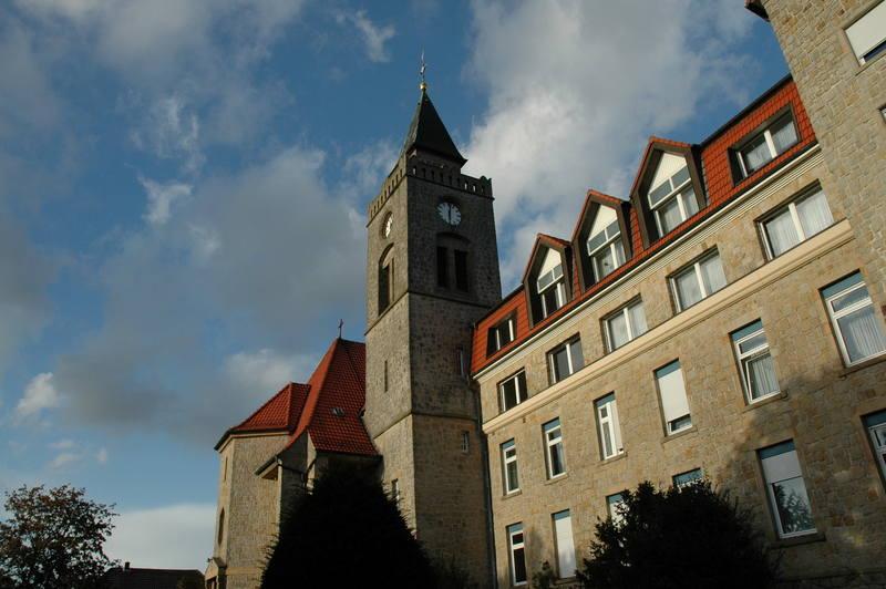 Kirche & Hauptgebäude