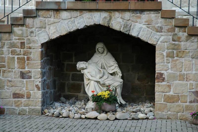 Pieta (an der Pforte)