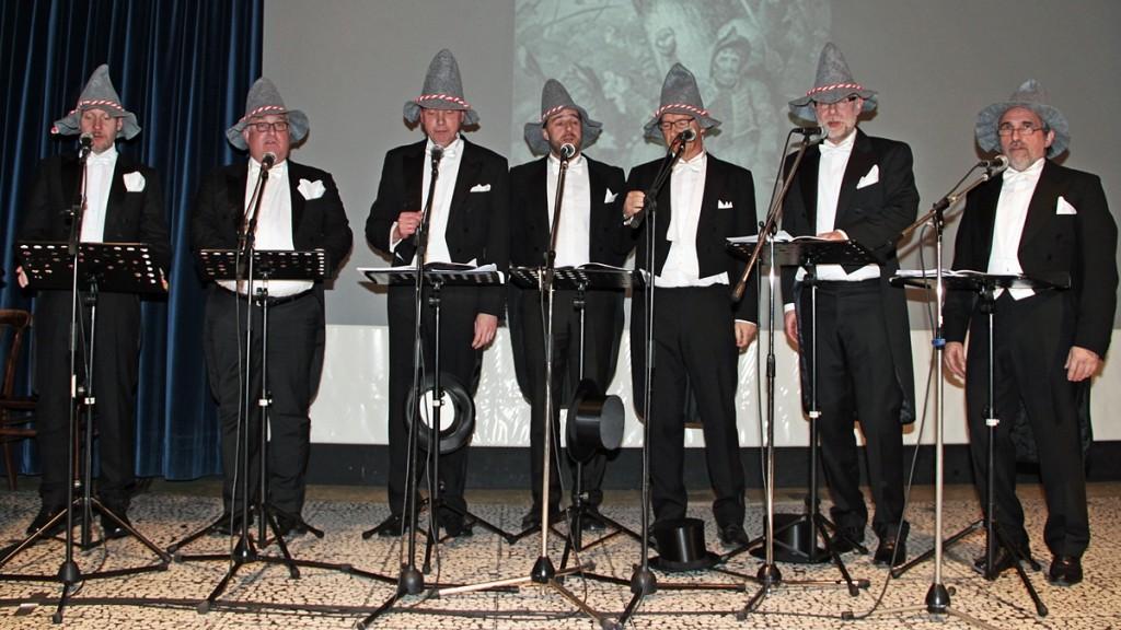 AufTakt sind: Dr. Claudius Reinke, Pater Olav Hamelijnck, Franz-Josef Hanneken, Antonius Kuiter, Benno Hüer, Manfred Heuer und Johannes Leifeld (v. links).