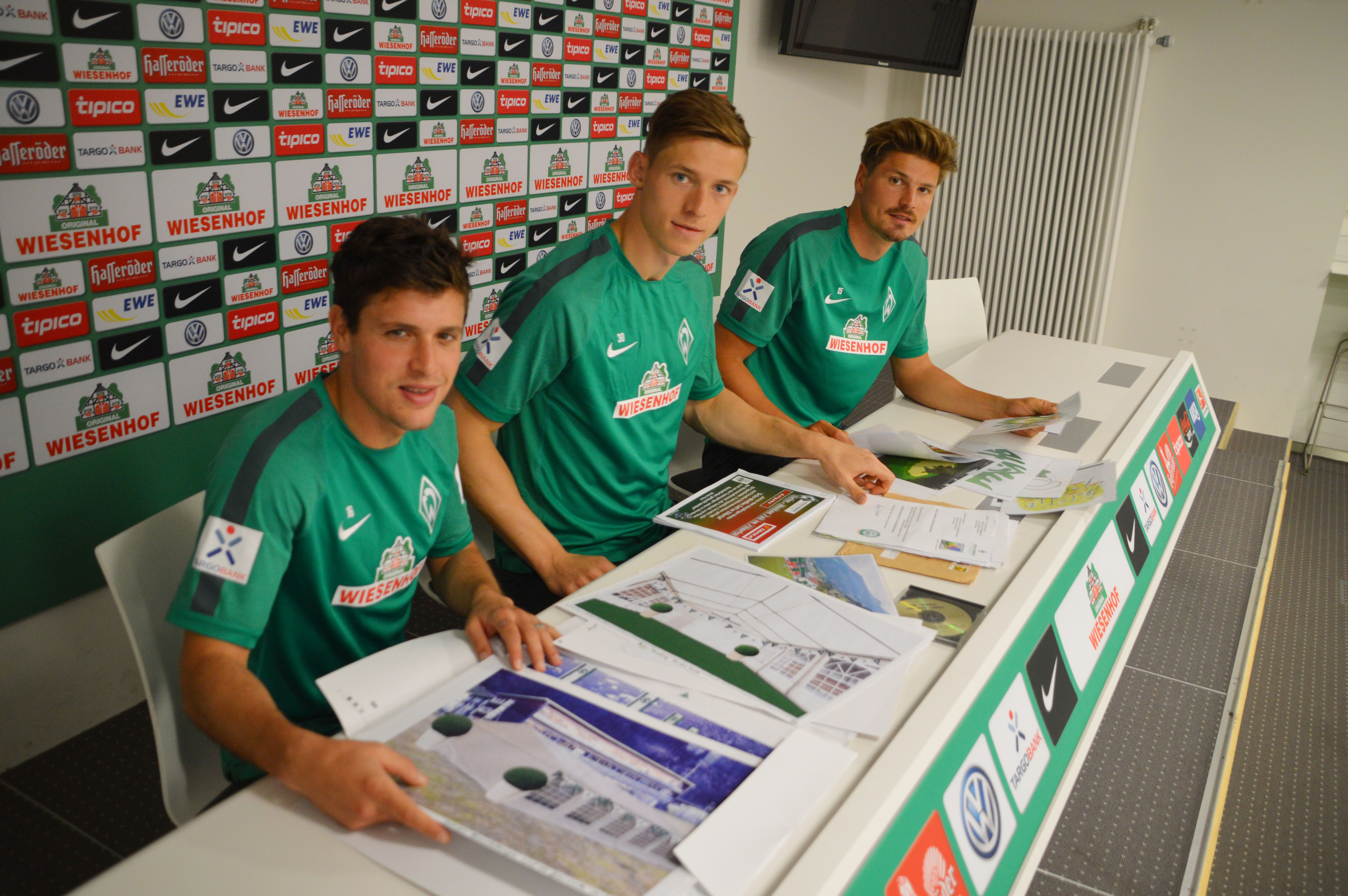 08 Österreicher von Werder Zlatko Junuzovic - Richard Strebinger - Sebastian Prödl bei der Auswahl