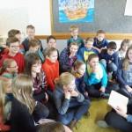 Frau Stege liest ihrer Klasse 5 vor aus: Suzanne Collins, Gregor und die graue Prophezeiung